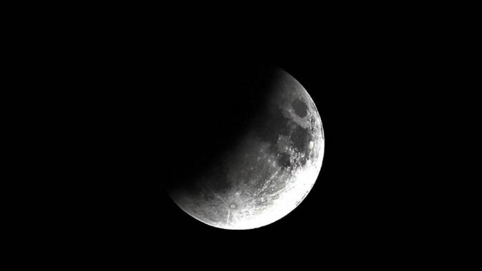 Así vivimos el eclipse lunar: momentos y fotos espectaculares