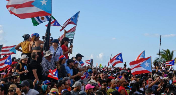 Puerto Rico se inunda de protestas