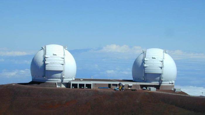 Arrestan en Hawái a decenas de ancianos que protestaban contra la construcción de un telescopio en tierras consideradas sagradas