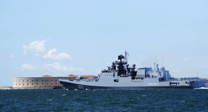 Übungsschießen mit Raketen im Schwarzen Meer gefilmt-   Video