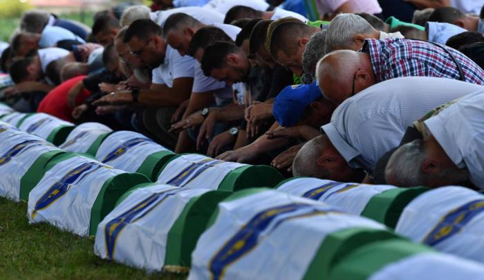 El Estado holandés es parcialmente culpable de la muerte de 350 musulmanes bosnios en Srebrenica