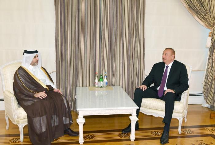 Präsident Ilham Aliyev empfängt die Stadtverwaltung und den Umweltminister von Katar