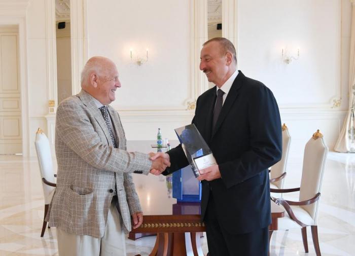 President Ilham Aliyev receives President of European Olympic Committees