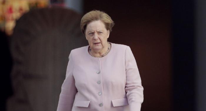 Merkel kündigt weiter steigende Rüstungsausgaben an