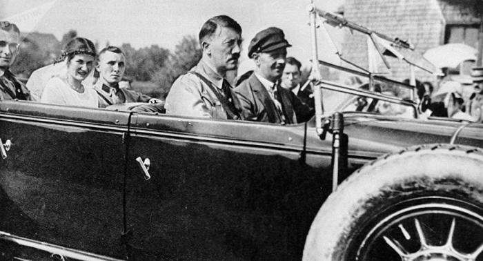 La caza del Führer:   cómo trataron de matar a Adolf Hitler