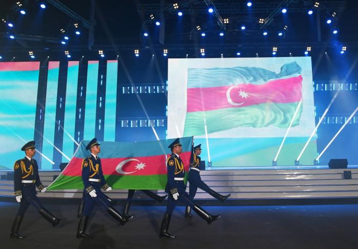 Ilham Aliyev assiste à la cérémonied'ouverture du 15e Festival olympique de la jeunesse européenne