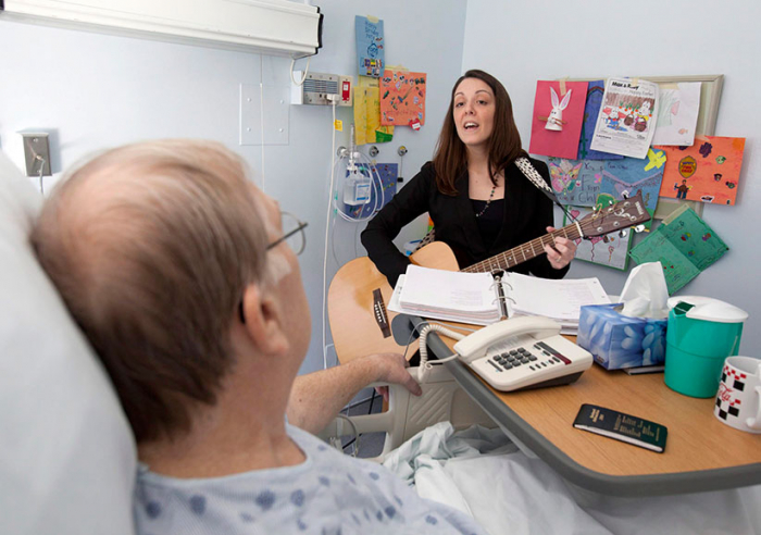 Soothing music calms pre-surgery patients – without the side effects of drugs