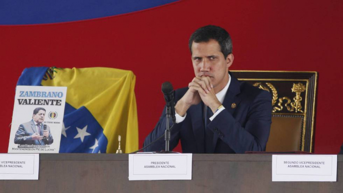 Guaidó endurece su pulso a Maduro tras el colapso del sistema eléctrico venezolano