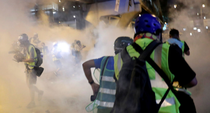 Acusados de choques con la policía en Hong Kong podrían ser liberados bajo fianza