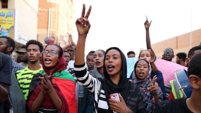Sudan suspends schools after student killings
