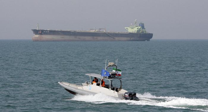 الحرس الثوري الإيراني يعلن توقيف ناقلة نفط أجنبية في الخليج