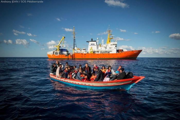 Migrants:   l