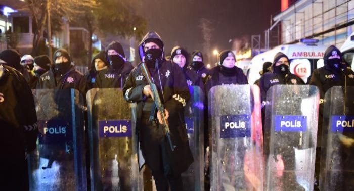 مقتل 15 مهاجرا بانقلاب حافلة شرقي تركيا