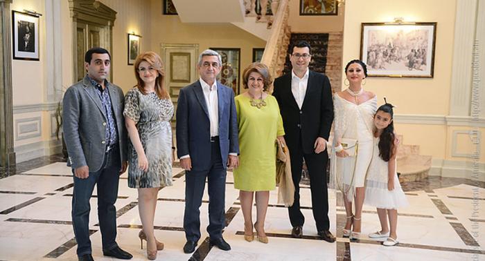 Sarkisyan 65 yaşını hamıdan gizli qeyd etdi
