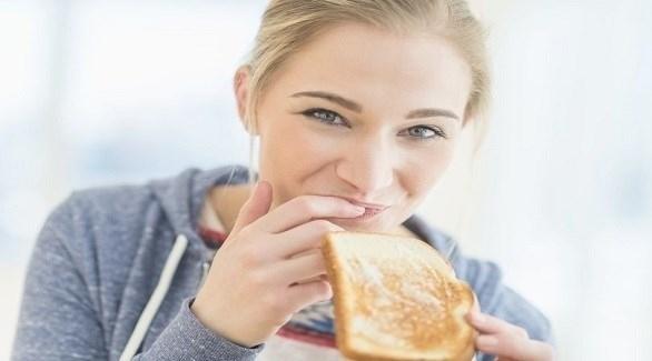 شركة تدفع لك 7 آلاف دولار لتناول أطعمة غير صحية