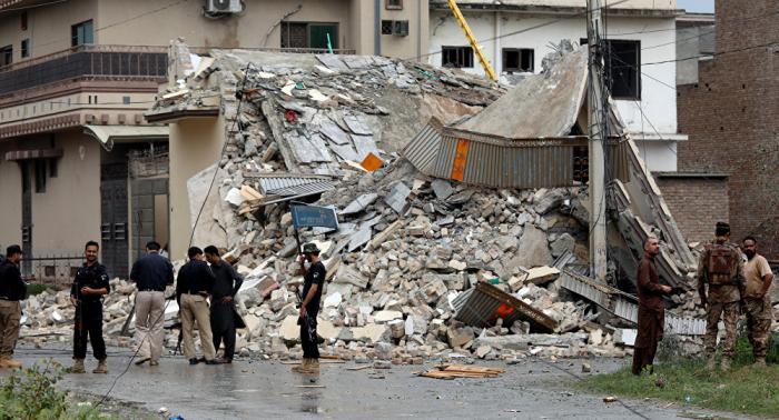 مقتل 5 أشخاص بهجوم انتحاري استهدف مستشفى في باكستان