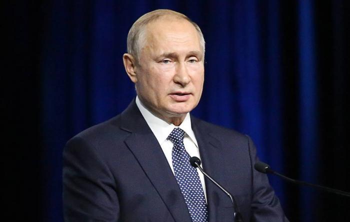 Putin Gürcüstana qarşı sanksiyaların əleyhinə çıxdı