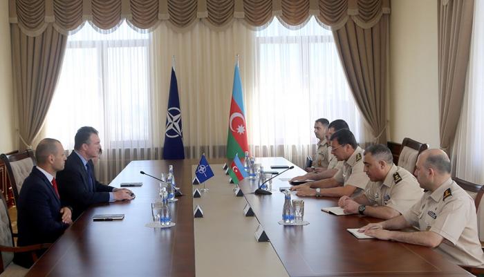 Nəcməddin Sadıkov NATO komandanı ilə görüşdü - VİDEO