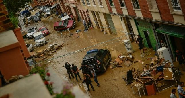 Deadly flash floods wash away car, kill driver in Spain