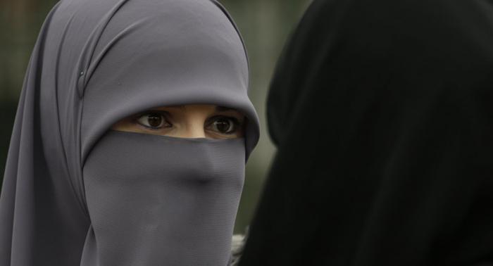 هولندا تحظر النقاب وتغرم المخالفة 150 يورو