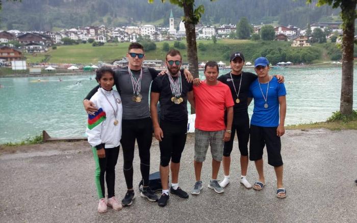 Azərbaycan avarçəkənləri 12 medal qazandı