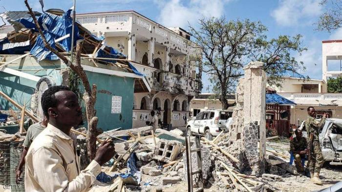 دوي انفجار ضخم في العاصمة الصومالية تلاه إطلاق نار