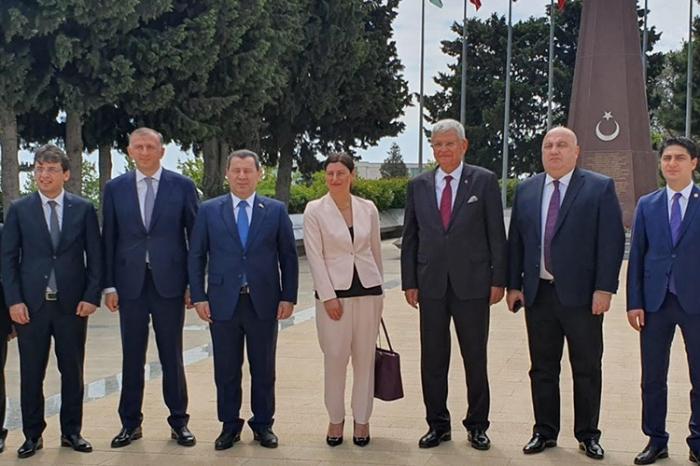 Abgeordnete des georgischen Parlaments beginnen ihren Besuch in Aserbaidschan