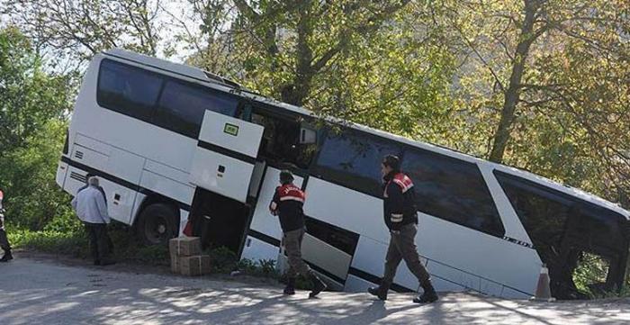 Sərnişin avtobusu dərəyə aşıb: 5 ölü, 6 yaralı