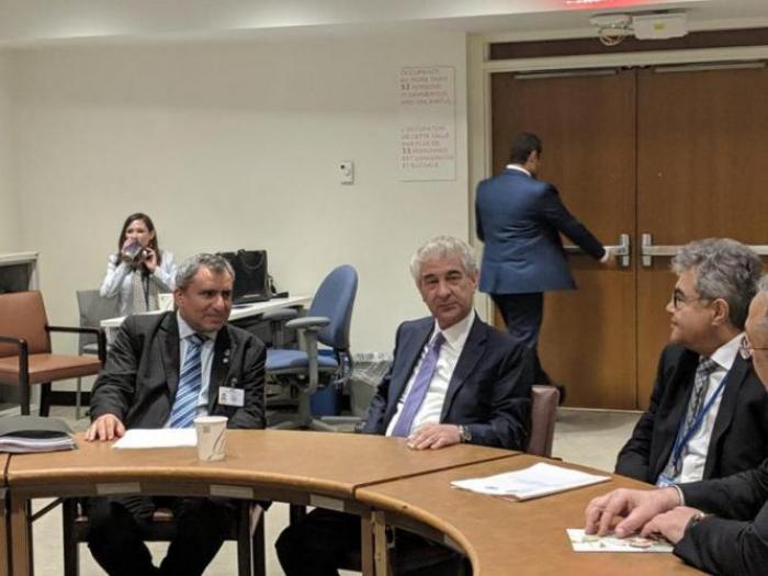 Ali Ahmadov rencontre des ministres d