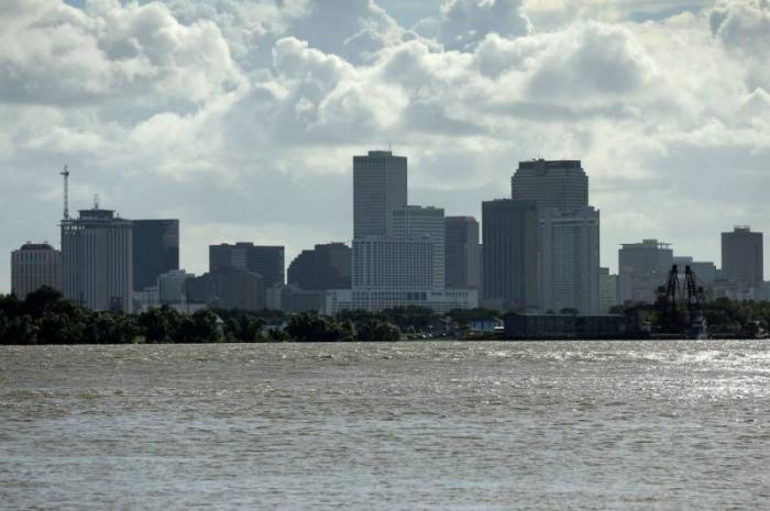 La Nouvelle-Orléans menacée par une tempête tropicale,   Trump déclare l