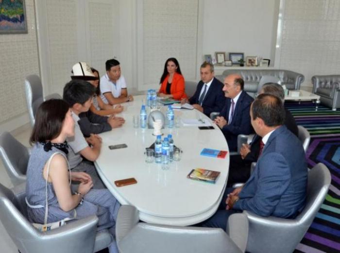 أبولفاس قراييف يستقبل وفداً من قيرغيزستان