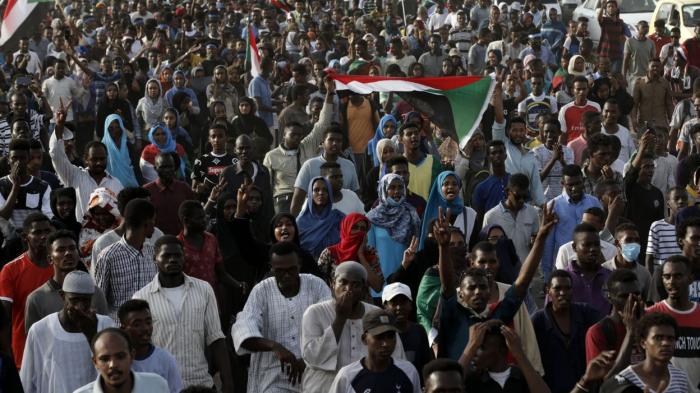 Les Soudanais défilent en mémoire des «martyrs» du sit-in dispersé