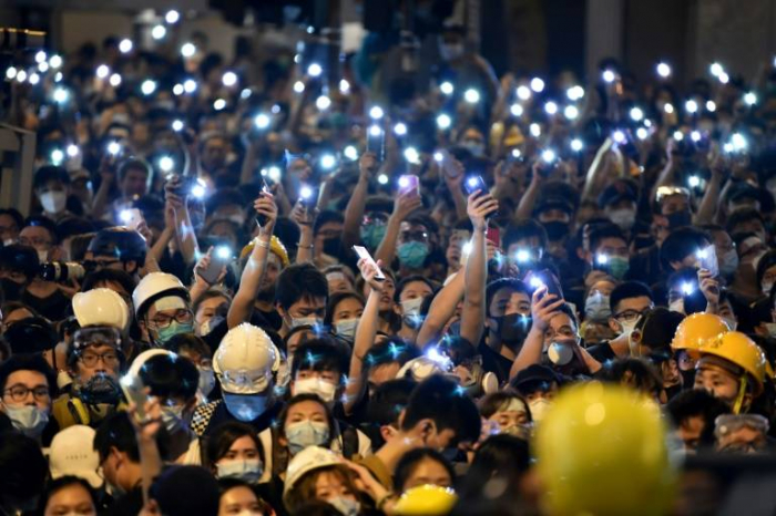 Grande manifestation de soutien à la police à Hong Kong