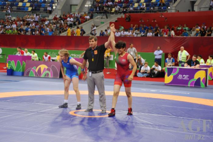 EYOF-un ikinci günü: Güləşçilərimiz 6 medal qazanıb