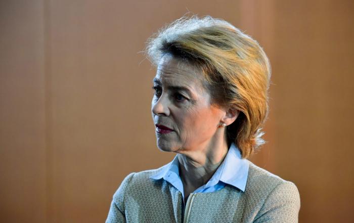Ursula von der Leyen face au Parlement européen pour son investiture comme présidente de la Commission