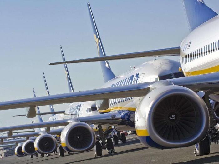 Boeing 737 MAX:   Ryanair annonce fermer des bases aéroportuaires