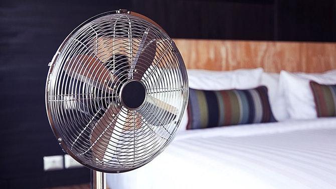 Pourquoi vous ne devez pas dormir avec un ventilateur?