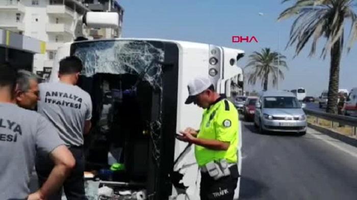 Antalyada tur avtobusu aşıb, çox sayda yaralı var - VİDEO