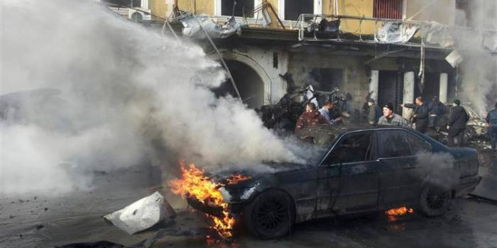 Libye: au moins trois morts dans un attentat à la voiture piégée à Benghazi