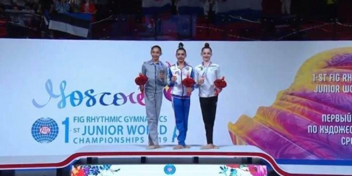Gimnasta azerbaiyana gana plata y bronce en el 1er Campeonato Mundial de Gimnasia Rítmica Juvenil