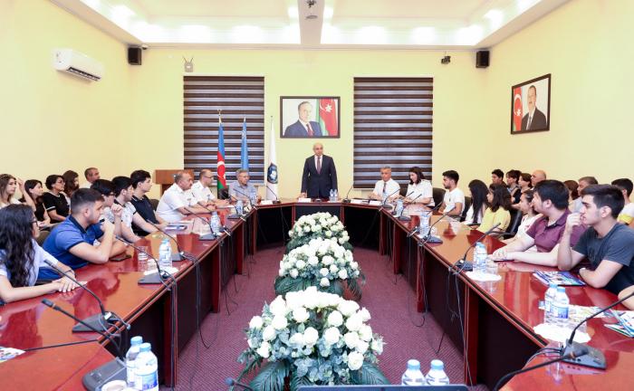 """Akademiyada """"Açıq qapı"""" günü təşkil olunub"""