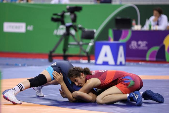EYOF: İki qadın güləşçimiz gümüş medal qazandı