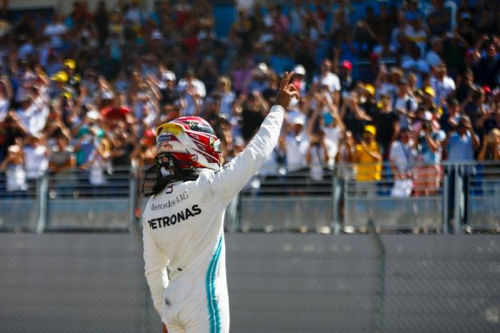 Lewis Hamilton wins record sixth British Grand Prix