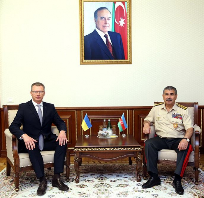 Azerbaijani defense minister meets with new ambassador of Ukraine
