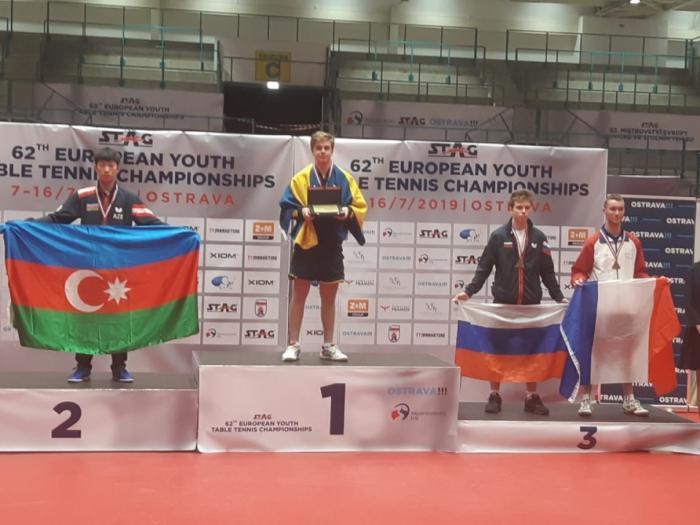 Jugador azerbaiyano de tenis de mesa gana la plata en el Campeonato de Europa