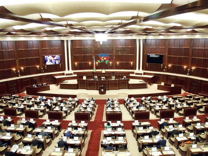 Milli Məclisin iclası bitdi, deputatlar tətilə çıxdı - Yenilənib