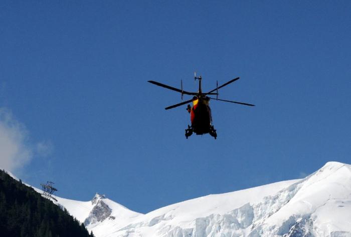 Deux alpinistes dévissent au Mont Blanc, un mort et un blessé grave