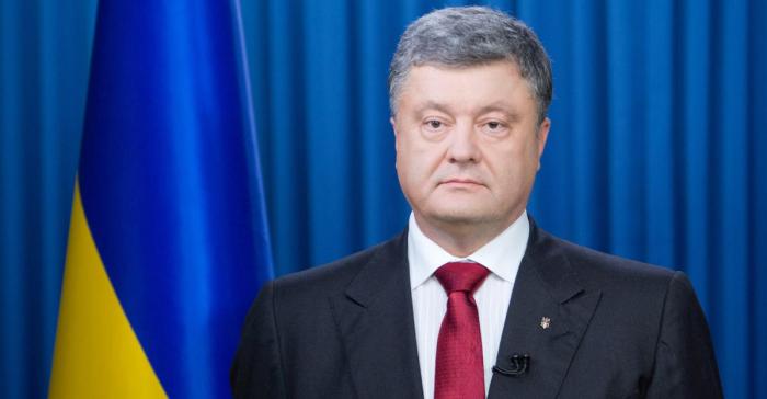 Poroşenko hesabından 34 milyon dollar pul çəkib