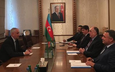 سفير ليتوانيا يغادر أذربيجان