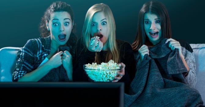 Regarder des films d'horreur ferait maigrir